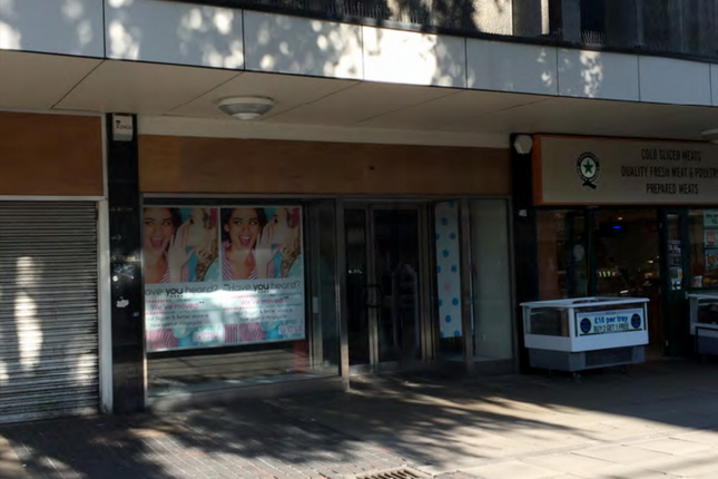 Thumbnail Retail premises to let in 76 New Street, Huddersfield, West Yorkshire