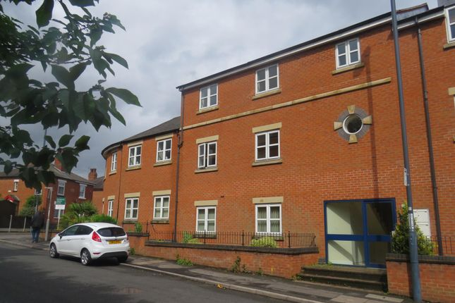 Thumbnail Flat to rent in Old Hall Road, Littleover, Derby