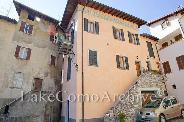 2 bed town house for sale in Sala Comacina, Lake Como, Italy
