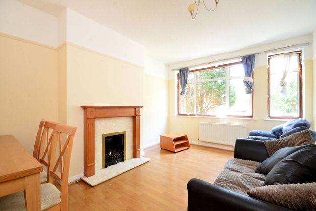 Thumbnail Maisonette to rent in Windsor Close, Northwood Hills