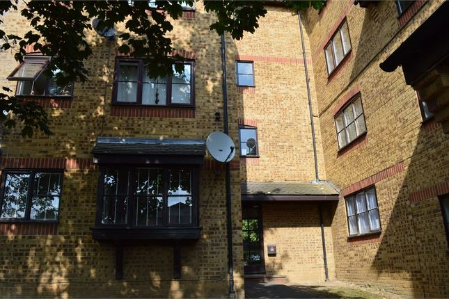 1 bed flat for sale in Sejant House, Bridge Road, Grays, Essex