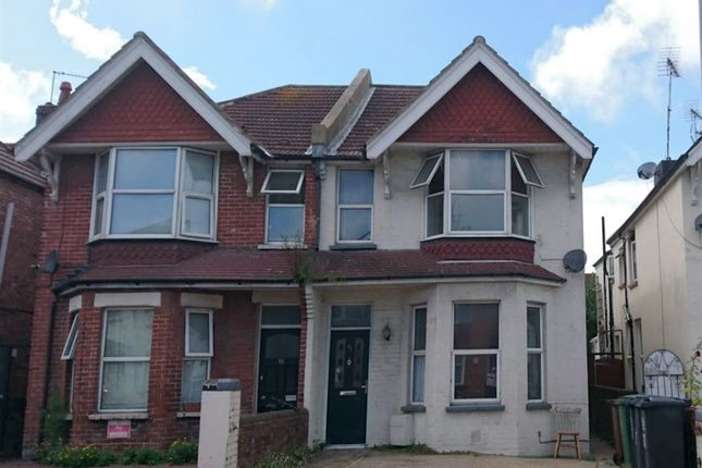 Thumbnail Room to rent in Cavendish Avenue, Eastbourne