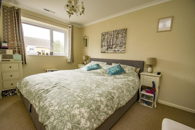 Bedroom of Hagbourne Close, Woodcote, Reading RG8