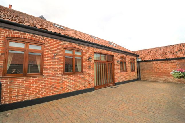 3 bed terraced house to rent in London Road, Suton, Wymondham, Norfolk NR18