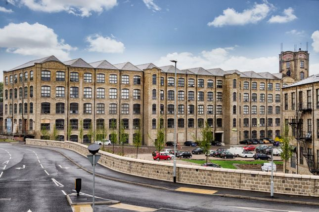 Thumbnail Flat to rent in Upper Blakeridge Lane, Batley