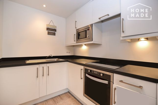 Thumbnail Flat to rent in Derwent Road, South Norwood