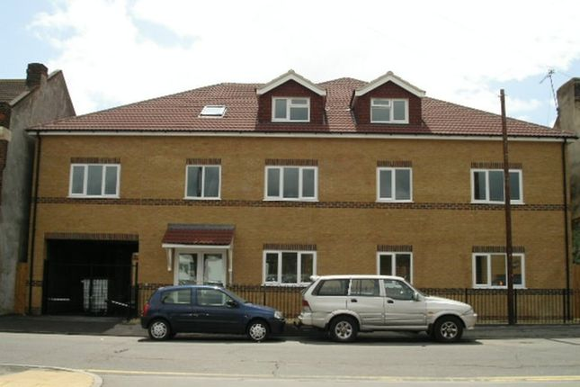 Thumbnail Flat to rent in 1 Bed Flat, Rutland Court, Cossack Street, Rochester
