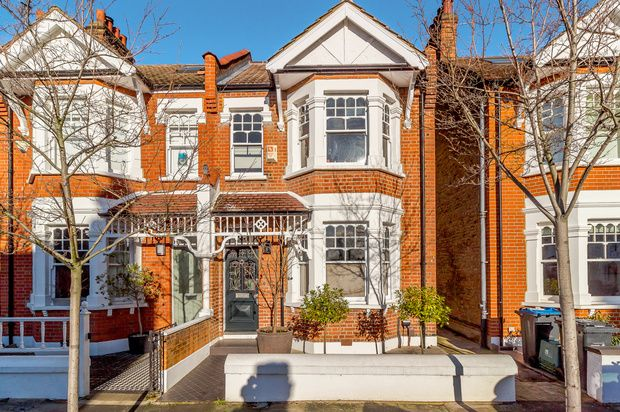 Thumbnail Terraced house for sale in Craven Gardens, London