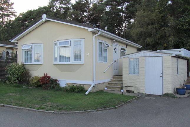 Thumbnail Mobile/park home for sale in Dolleys Hill Park (Ref 6013), Pirbright Road, Normandy, Guildford, Surrey