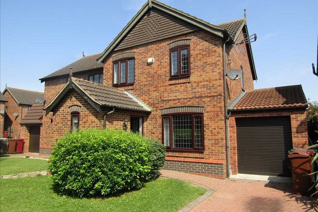 Thumbnail Semi-detached house to rent in Burgon Crescent, Winterton, Scunthorpe
