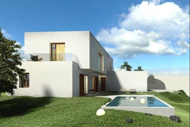 3 bed villa for sale in Salir Do Porto, Leiria