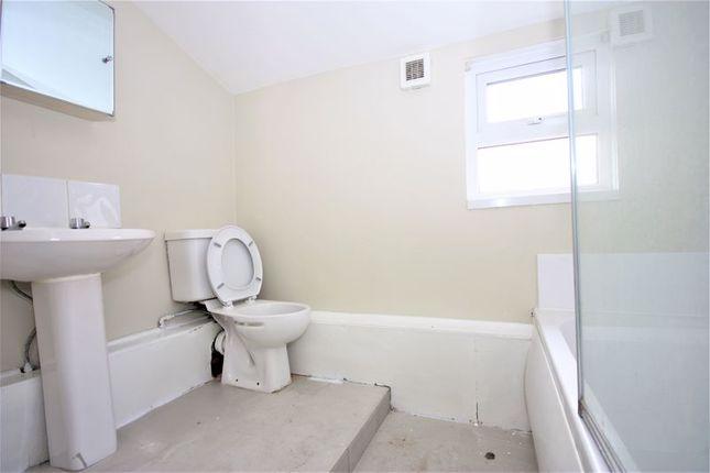 Bathroom of Tavistock Street, Hull HU5
