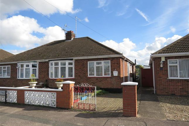 Thumbnail Semi-detached bungalow for sale in Oxford Street, Finedon, Wellingborough