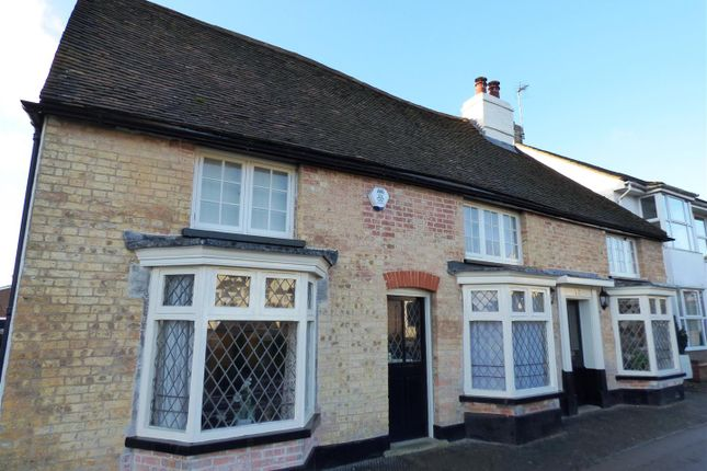 Thumbnail Cottage to rent in Market Square, Toddington, Dunstable