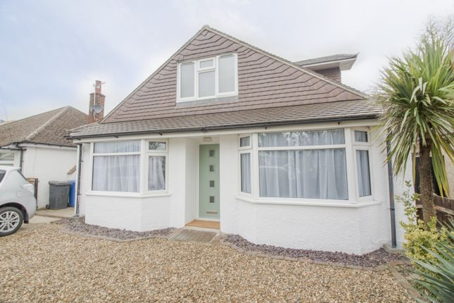 Thumbnail Bungalow to rent in St. Andrews Crescent, Windsor