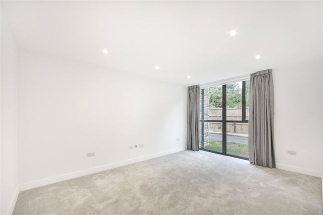 Picture No. 03 of Ditton Grove, Esher, Surrey KT10