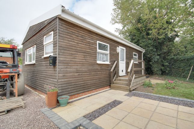 2 bed lodge to rent in Windcatch Close, Spalding PE12