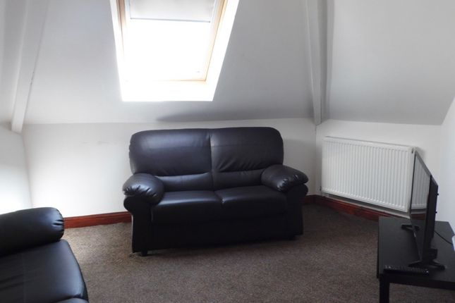 Thumbnail Flat to rent in Wyeverne Road, Cathays, Cardiff