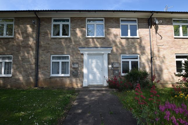 Thumbnail Flat to rent in Hills Close, Roxton, Bedford