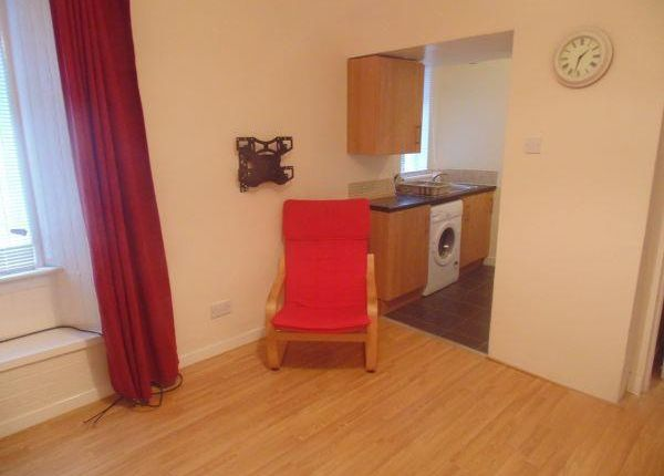 Thumbnail Flat to rent in Crummock Street, Beith
