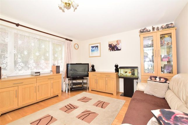 Thumbnail Terraced house for sale in Stoneyfield, Edenbridge, Kent