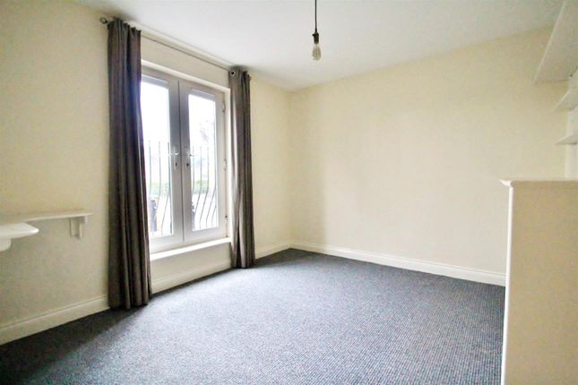 Thumbnail Flat for sale in St. Peters Street, Syston, Leicestershire