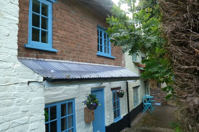 Thumbnail Cottage for sale in Exeter Road, Crediton