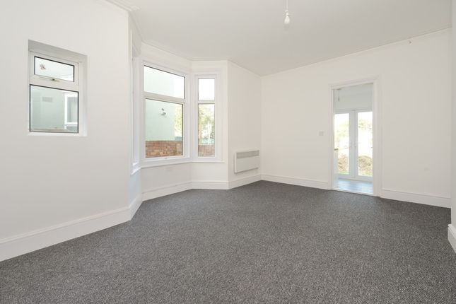 Thumbnail Flat to rent in Watling Street, Chatham, Kent