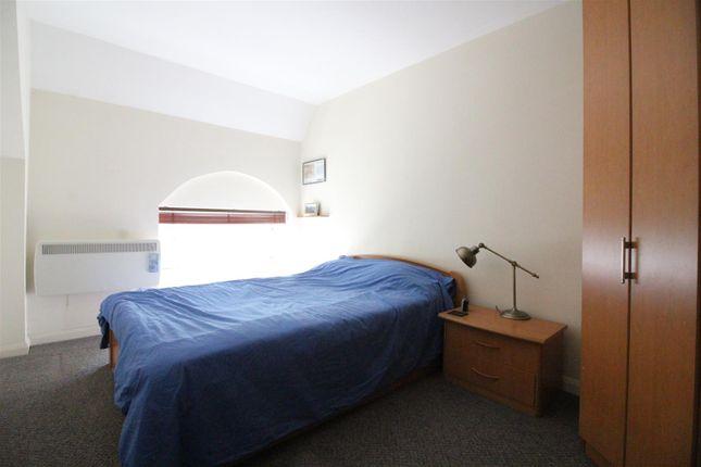 Bedroom of Rosedale Mansions, Boulevard, Hull HU3