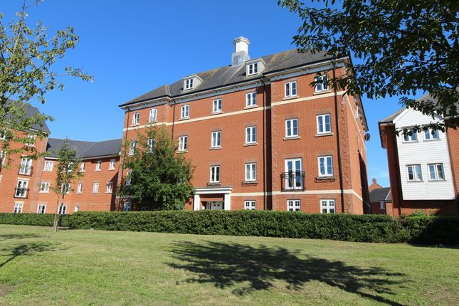 2 bed flat to rent in Salamanca Way, Colchester CO2