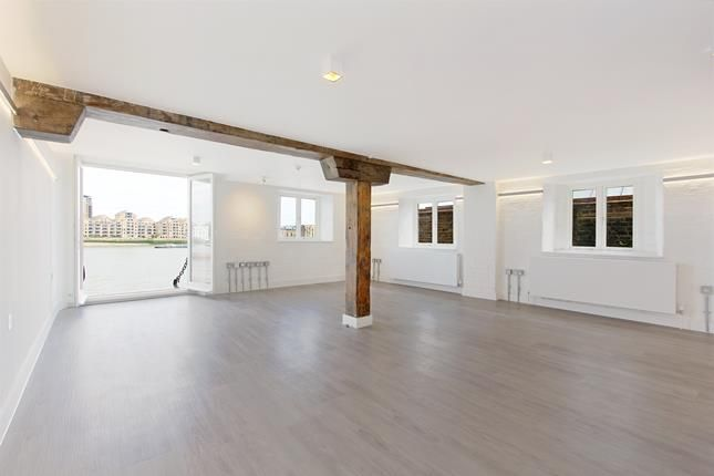 Thumbnail Flat to rent in Grices Wharf, Rotherhithe Street, London