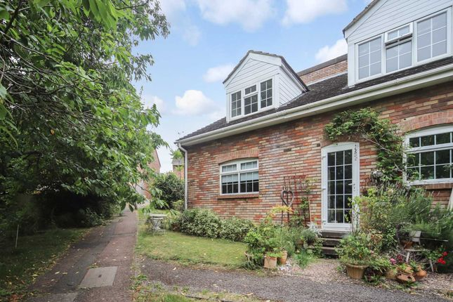 1 bed property to rent in Hunters Close, Tring HP23