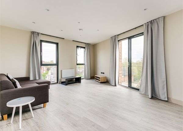 Thumbnail Flat to rent in Amesbury Avenue, Streatham Hill