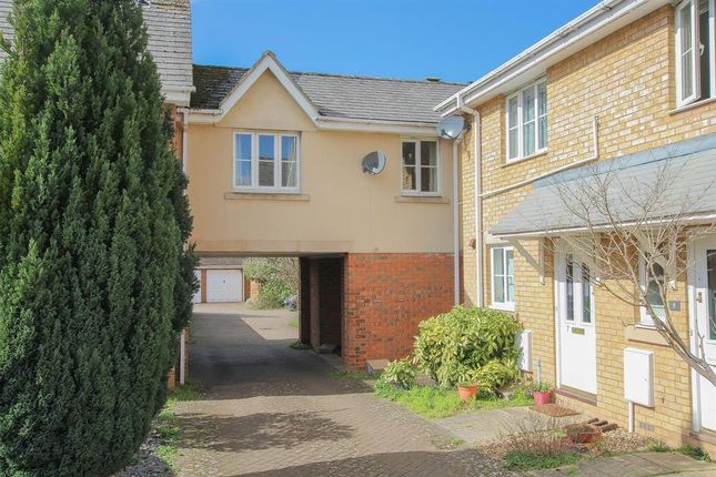End terrace house to rent in Long Hale, Pitstone, Leighton Buzzard