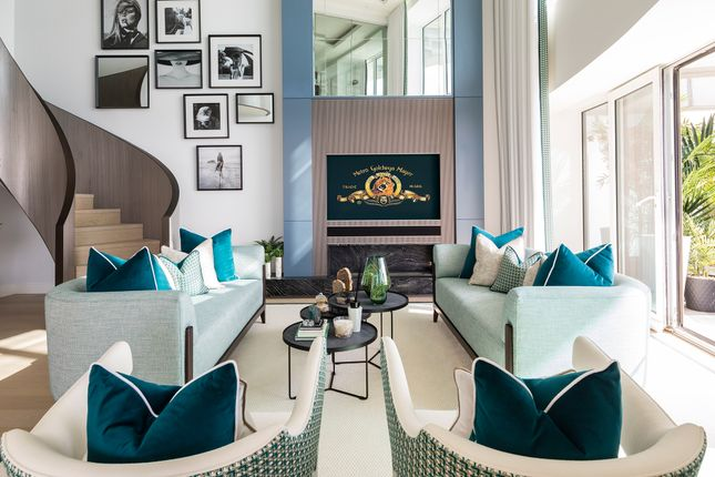 Flat for sale in Baltimore Tower, Baltimore Wharf, 25 Crossharbour Plaza, Canary Wharf, London