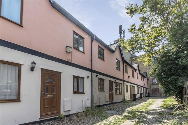 Thumbnail Property to rent in Ebury Mews, London