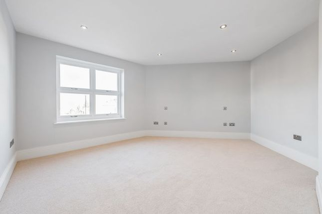 Bedroom 1 of Ashton Court, 2A Clarence Crescent, Sidcup DA14