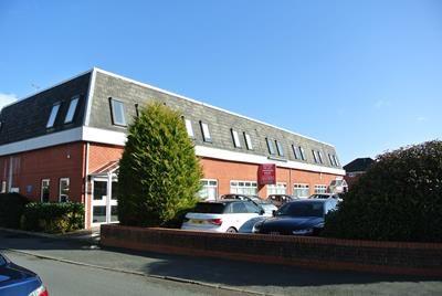 Thumbnail Office to let in Suites 1 & 2 Sandhurst House, 297 Yorktown Road, College Town, Sandhurst