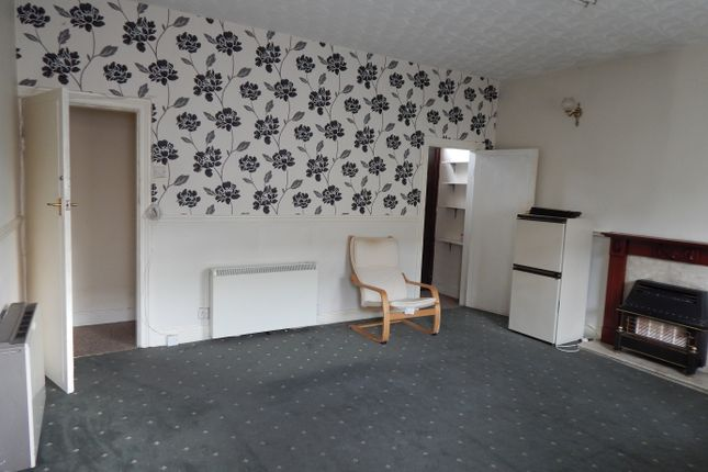 Thumbnail Terraced house to rent in Upper North Street, Batley