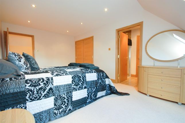 Bed 3 of Kinkellas, 25 Glamis Drive, Dundee DD2