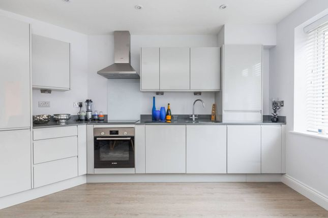Thumbnail Flat for sale in Phoenix House, Harrow HA11Le