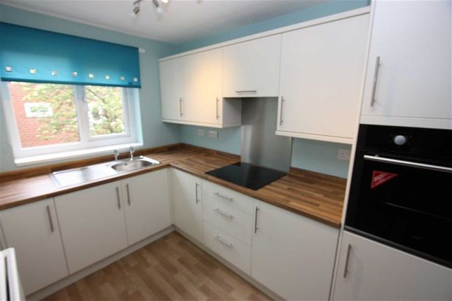 Thumbnail Flat to rent in Glaisdale Close, Tonge Moor, Bolton