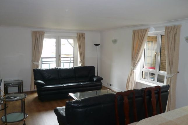 2 bed flat to rent in Admiral Walk, Maida Vale, London