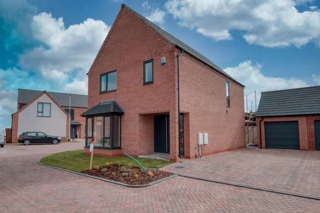 Thumbnail Detached house for sale in Moor Croft, Crowle, Scunthorpe