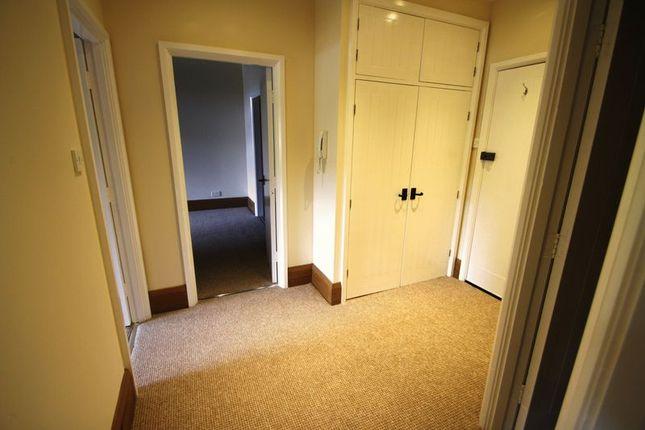 Hallway of Beestonley Lane, Barkisland, Halifax HX4