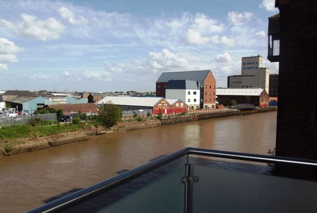 Thumbnail Flat to rent in Old Harbour Court, Wincolmlee, Hull