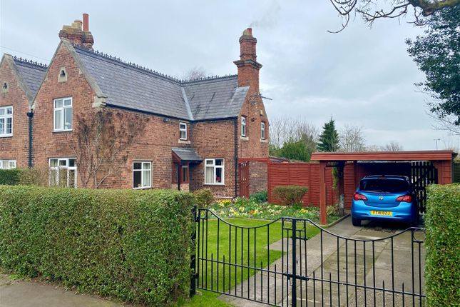 3 bed cottage for sale in Great North Road, Cromwell, Newark NG23