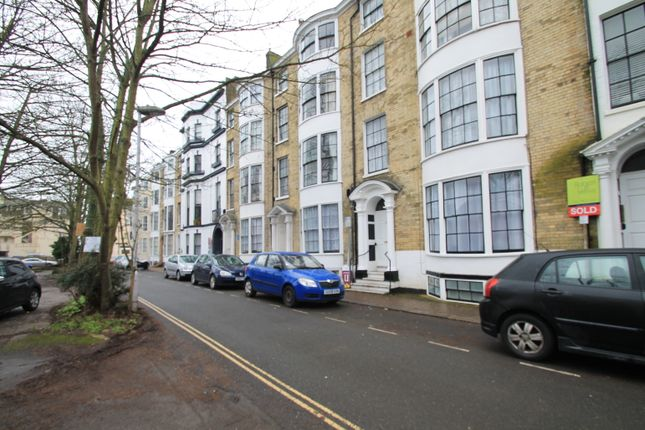 2 bed flat to rent in Bedford Row, Worthing BN11