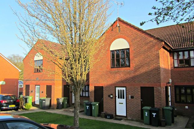 Thumbnail Flat for sale in Thistle Road, Hedge End, Southampton