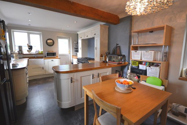 Thumbnail Cottage for sale in Castle Hill, Haverfordwest